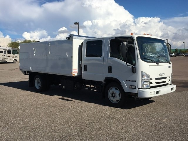 2019 NQR Crew Cab 4x2, United Truck Bodies Landscape Dump #K7901876 - photo 3