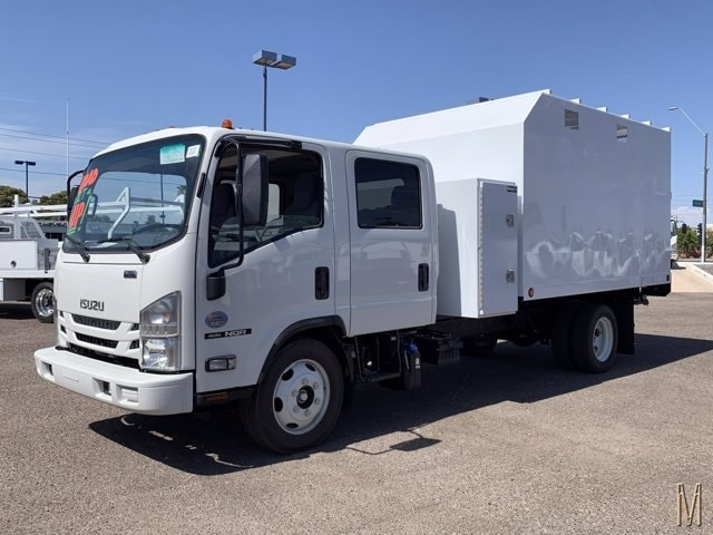 2019 Isuzu NQR Crew Cab 4x2, Sun Country Truck Chipper Body #K7901946 - photo 1