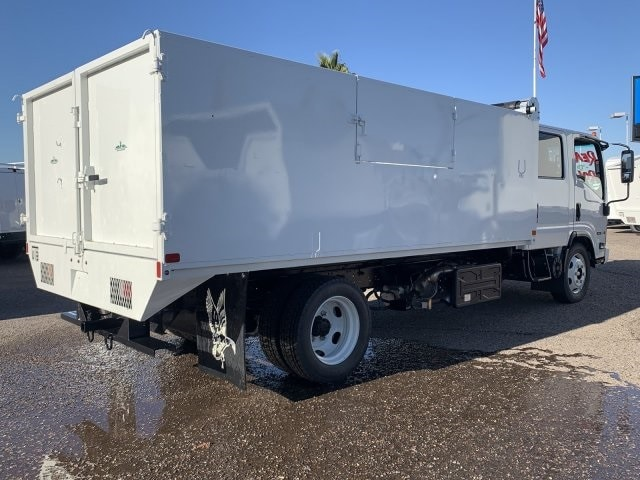 2019 NQR Crew Cab 4x2, Drake Equipment Landscape Dump #K7901948 - photo 1