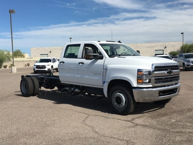2019 Silverado Medium Duty Crew Cab DRW 4x2,  Cab Chassis #KH253943 - photo 3