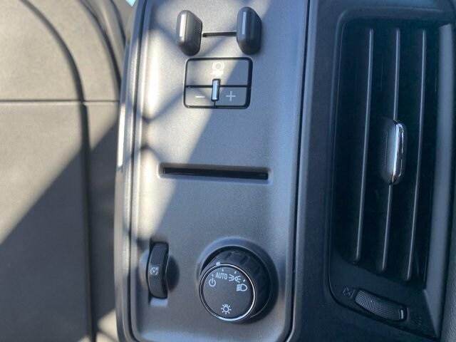 2019 Silverado 5500 Regular Cab DRW 4x2, Royal Contractor Body #KH293810 - photo 23