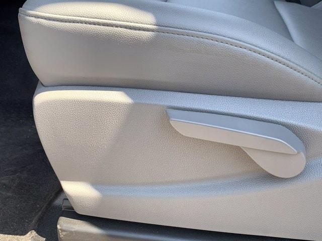 2019 Chevrolet Silverado 5500 Regular Cab DRW RWD, Harbor ComboMaster Combo Body #KH598101 - photo 18