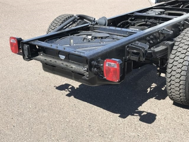 2019 Silverado Medium Duty Crew Cab DRW 4x2,  Cab Chassis #KH886111 - photo 5
