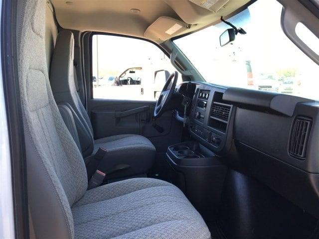 2019 Express 4500 4x2,  Morgan Parcel Aluminum Cutaway Van #KN007209 - photo 13