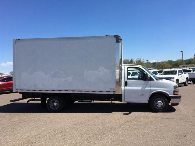 2019 Express 4500 4x2,  Morgan Parcel Aluminum Cutaway Van #KN007209 - photo 6