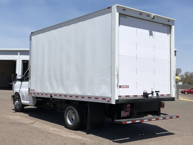 2019 Express 4500 4x2,  Morgan Parcel Aluminum Cutaway Van #KN007243 - photo 2