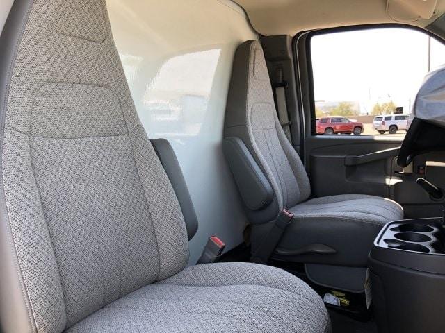 2019 Express 4500 4x2,  Morgan Parcel Aluminum Cutaway Van #KN007278 - photo 8