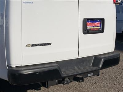 2020 Express 3500 4x2, Thermo King Direct-Drive Refrigerated Body #L1122456 - photo 5