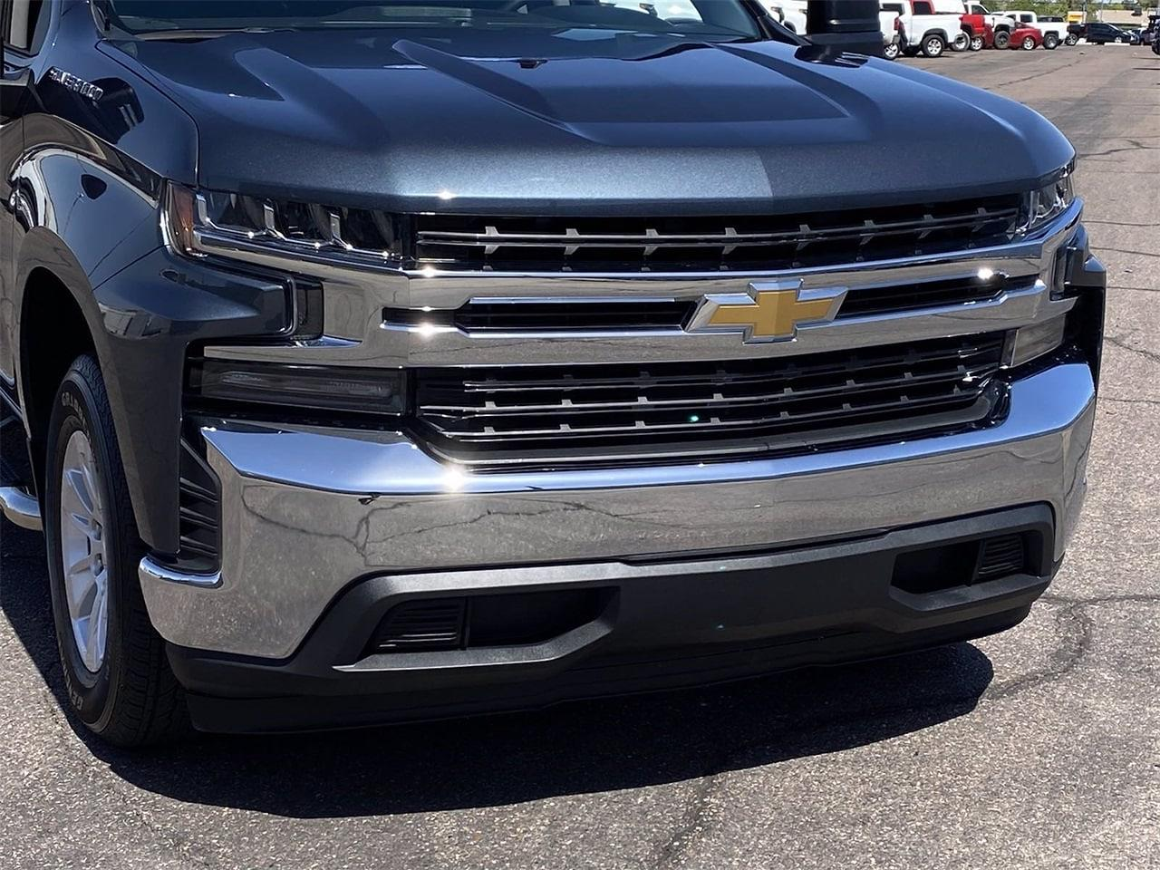 2020 Chevrolet Silverado 1500 Crew Cab 4x2, Pickup #LG343948 - photo 2