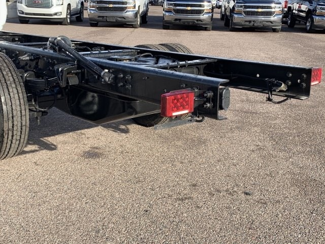 2020 Chevrolet Silverado 5500 Regular Cab DRW RWD, Cab Chassis #LH169827 - photo 8