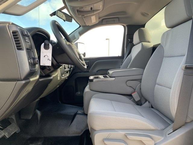 2020 Chevrolet Silverado 5500 Regular Cab DRW RWD, Royal Contractor Body #LH169828 - photo 17