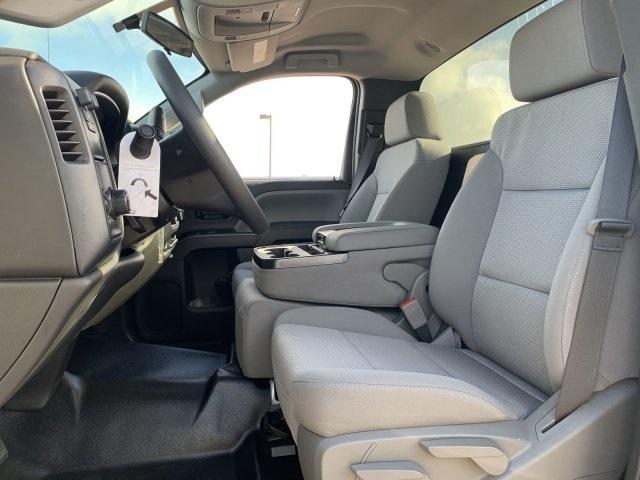 2020 Silverado 5500 Regular Cab DRW 4x2, Cab Chassis #LH169828 - photo 17