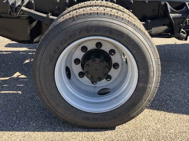 2020 Chevrolet Silverado 5500 Regular Cab DRW 4x2, Royal Contractor Body #LH176080 - photo 13