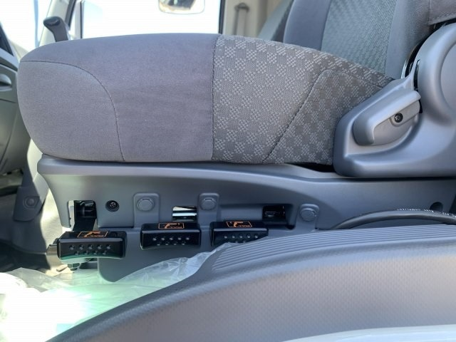 2020 Isuzu FTR Regular Cab 4x2, Drake Equipment Chipper Body #LSG50486 - photo 17