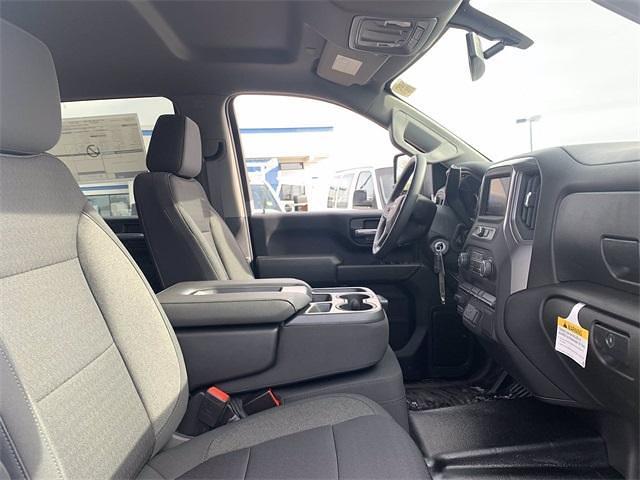 2021 Chevrolet Silverado 3500 Crew Cab 4x4, Knapheide PGNB Gooseneck Platform Body #MF203522 - photo 12