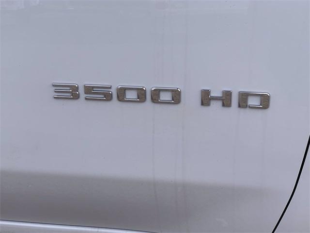 2021 Chevrolet Silverado 3500 Crew Cab 4x4, Knapheide PGNB Gooseneck Platform Body #MF203522 - photo 9