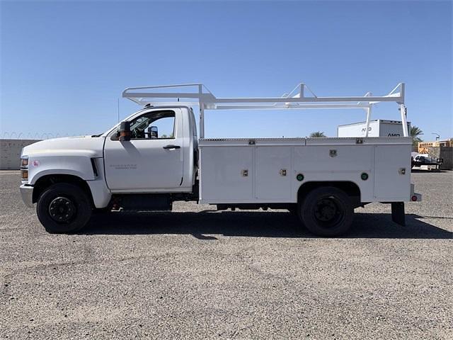 2021 Silverado 5500 Regular Cab DRW 4x2,  Scelzi Signature Service Body #MH614327 - photo 8