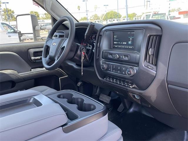 2021 Chevrolet Silverado 5500 Regular Cab DRW 4x2, Scelzi Signature Service Body #MH614328 - photo 14
