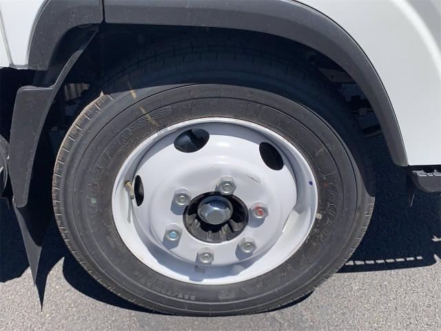 2021 NPR-HD 4x2,  Cab Chassis #MS202333 - photo 10