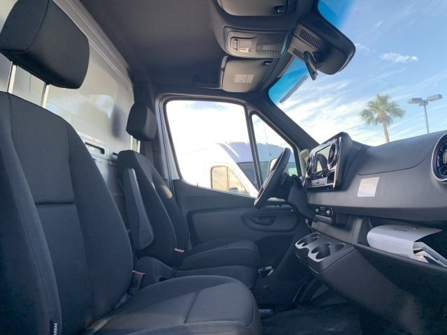 2019 Sprinter 4500 High Roof 4x2, Dry Freight #P19938 - photo 9