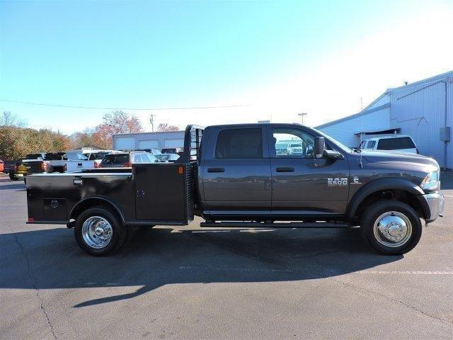 2017 Ram 5500 Crew Cab DRW 4x4, Hauler Body #670178 - photo 8