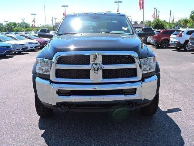 2017 Ram 5500 Crew Cab DRW, Cab Chassis #670250 - photo 2