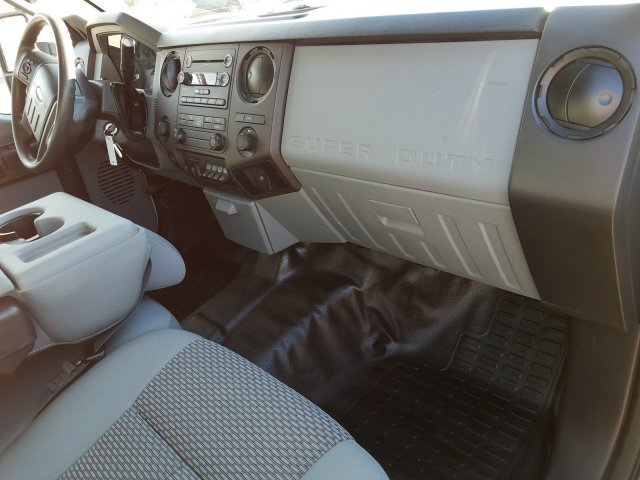 2015 F-350 Crew Cab DRW 4x4, Platform Body #FEA77064 - photo 19