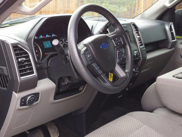 2016 Ford F-150 SuperCrew Cab 4x4, Pickup #GKE48627 - photo 10