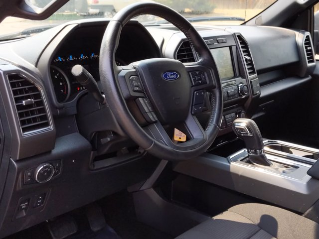 2017 Ford F-150 SuperCrew Cab 4x4, Pickup #HFC86552 - photo 10