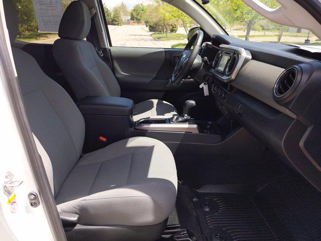 2018 Toyota Tacoma Double Cab 4x4, Pickup #JM147790 - photo 19