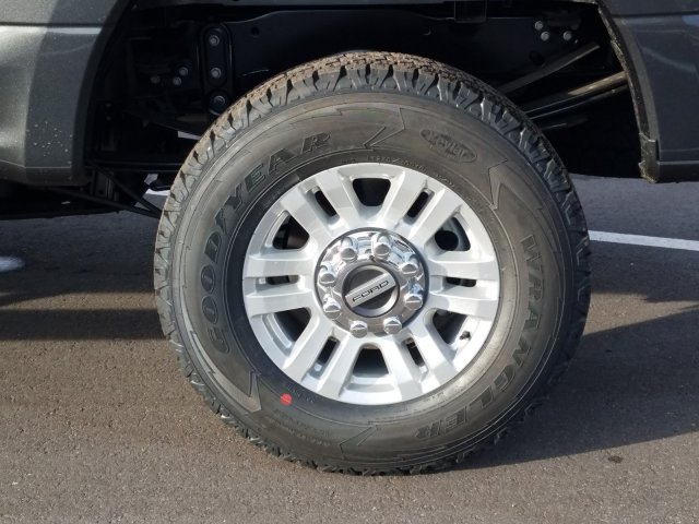 2019 F-250 Crew Cab 4x4, Pickup #KEG86583 - photo 9