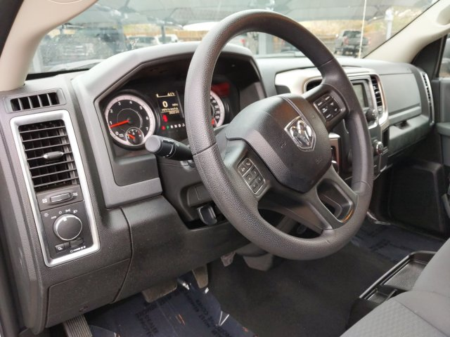 2019 Ram 1500 Crew Cab 4x4, Pickup #KS606235 - photo 10