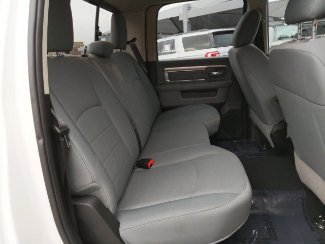 2019 Ram 1500 Crew Cab 4x4, Pickup #KS606235 - photo 18