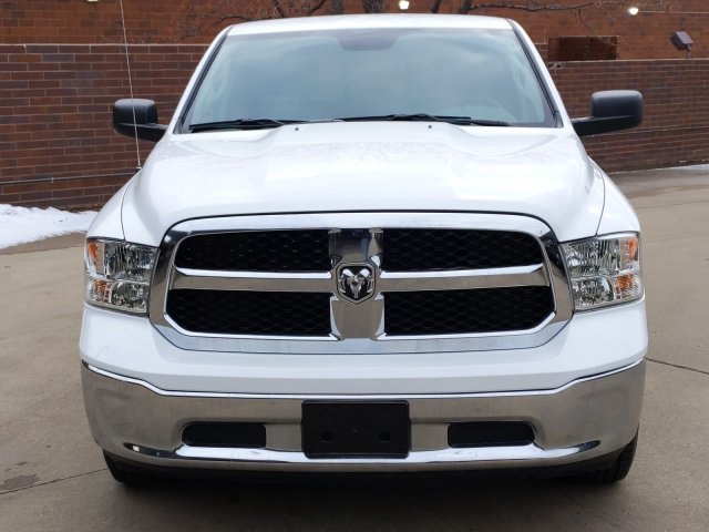 2019 Ram 1500 Crew Cab 4x4, Pickup #KS606235 - photo 3