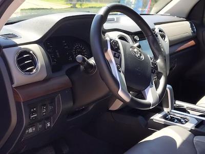 2019 Toyota Tundra Crew Cab 4x4, Pickup #KX866156 - photo 10