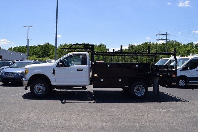 2017 F-350 Regular Cab DRW 4x4, Knapheide Contractor Body #1719970 - photo 3