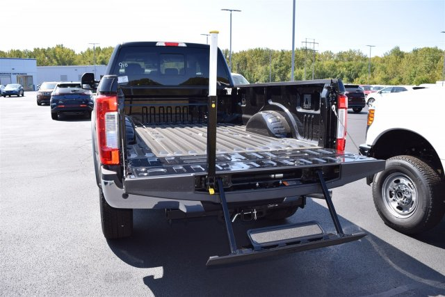 2017 F-250 Crew Cab 4x4 Pickup #1761910 - photo 9