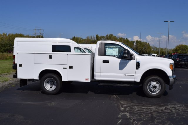 2017 F-350 Regular Cab DRW 4x4, Reading Classic II Steel Service Body #1781131 - photo 3