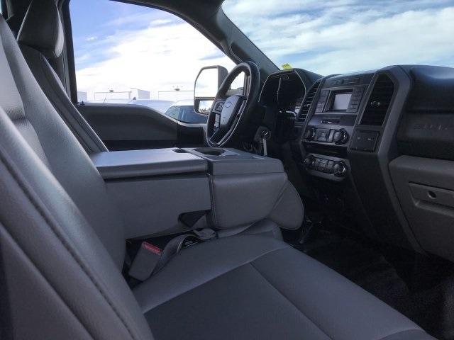2017 F-550 Crew Cab DRW 4x4, Stake Bed #C244 - photo 10