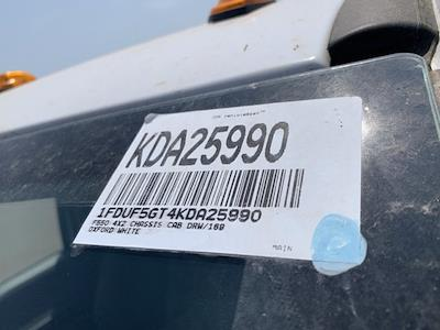 2019 Ford F-550 Regular Cab DRW 4x2, Scelzi WFB Platform Body #KDA25990 - photo 17