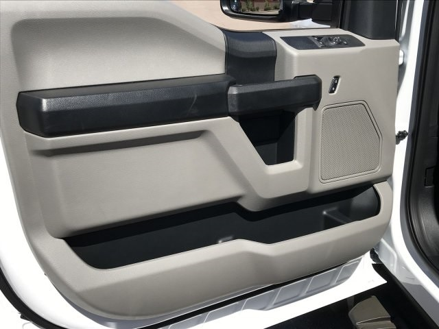 2019 F-550 Regular Cab DRW 4x2, Cab Chassis #KEF21756 - photo 12