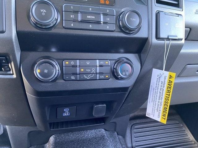 2020 Ford F-250 Crew Cab 4x2, Pickup #LEE48754 - photo 19