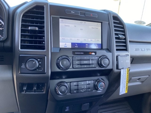 2020 Ford F-250 Crew Cab 4x4, Pickup #LEE48766 - photo 17