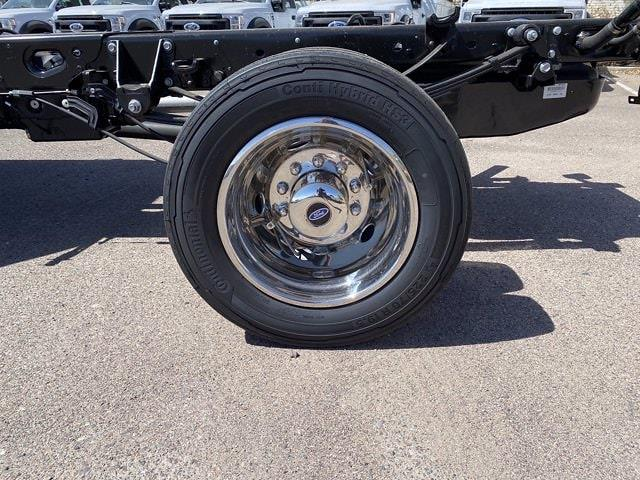 2021 Ford F-450 Crew Cab DRW 4x4, Cab Chassis #MED06623 - photo 7