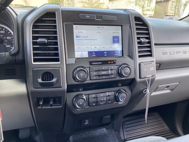 2021 Ford F-250 Crew Cab 4x2, Pickup #MED07649 - photo 17