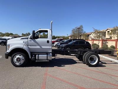 2022 Ford F-750 Regular Cab DRW 4x2, Cab Chassis #NDF00081 - photo 5
