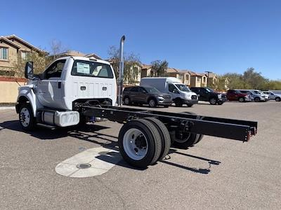 2022 Ford F-750 Regular Cab DRW 4x2, Cab Chassis #NDF00081 - photo 7