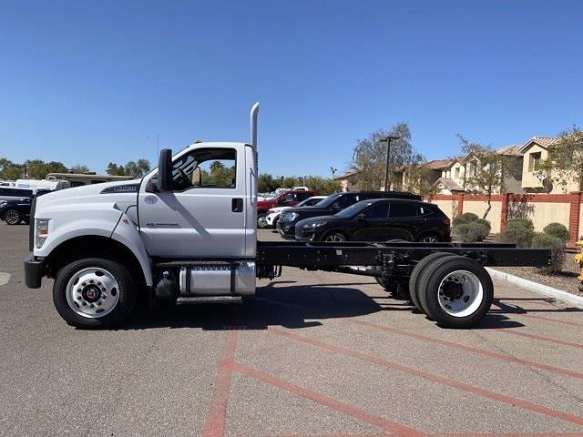 2022 Ford F-750 Regular Cab DRW 4x2, Cab Chassis #NDF00082 - photo 5