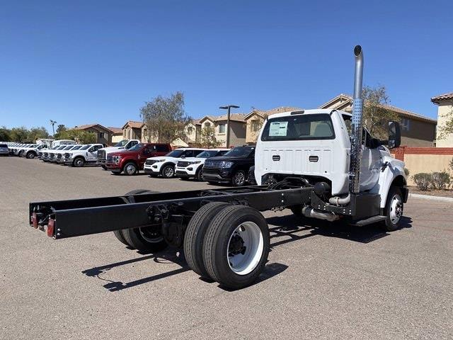 2022 Ford F-750 Regular Cab DRW 4x2, Cab Chassis #NDF00082 - photo 8