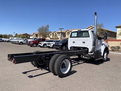 2022 Ford F-750 Regular Cab DRW 4x2, Cab Chassis #NDF00082 - photo 2
